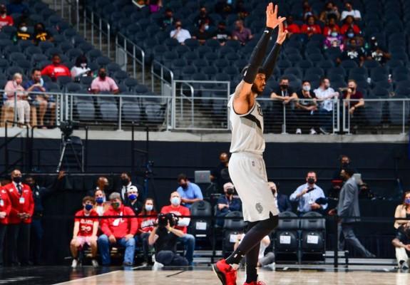 Carmelo Anthony a intrat în topul celor mai buni 10 marcatori din istoria NBA