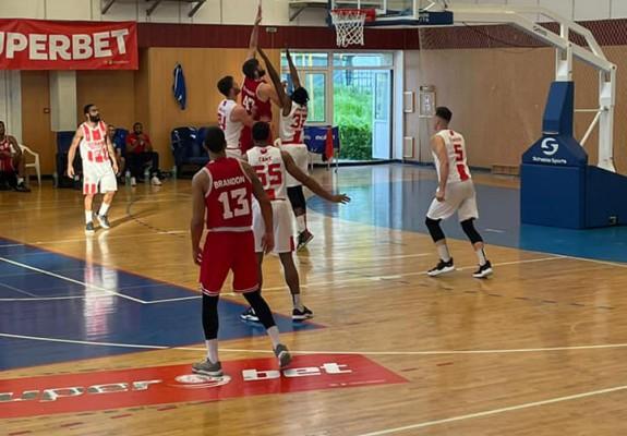 CSM Galaţi câştigă cu Dinamo şi e în pole-position pentru playoff