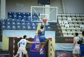 Xavier Rathan-Mayes a reușit un triple-double cu Dinamo