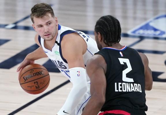 Mavericks și Blazers fac break-ul în debutul playoff-ului din NBA