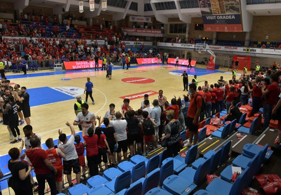 CSM Oradea – U-BT Cluj s-a jucat cu 85% din capacitatea sălii ocupată