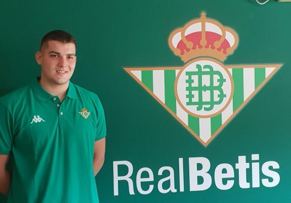 David Antonescu face pasul spre Real Betis Basketball Academy