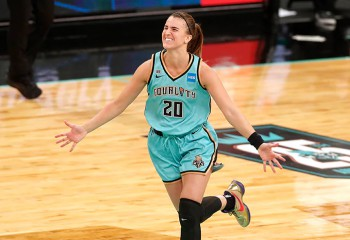 Maioul Sabrinei Ionescu, cel mai bine vândut din WNBA