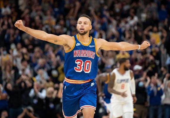 Warriors o răpune și pe Clippers, după un meci perfect făcut de Curry
