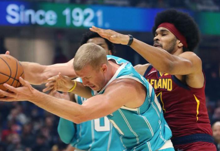 Jarrett Allen și-a depus candidatura pentru slam dunk-ul sezonului în NBA. Video