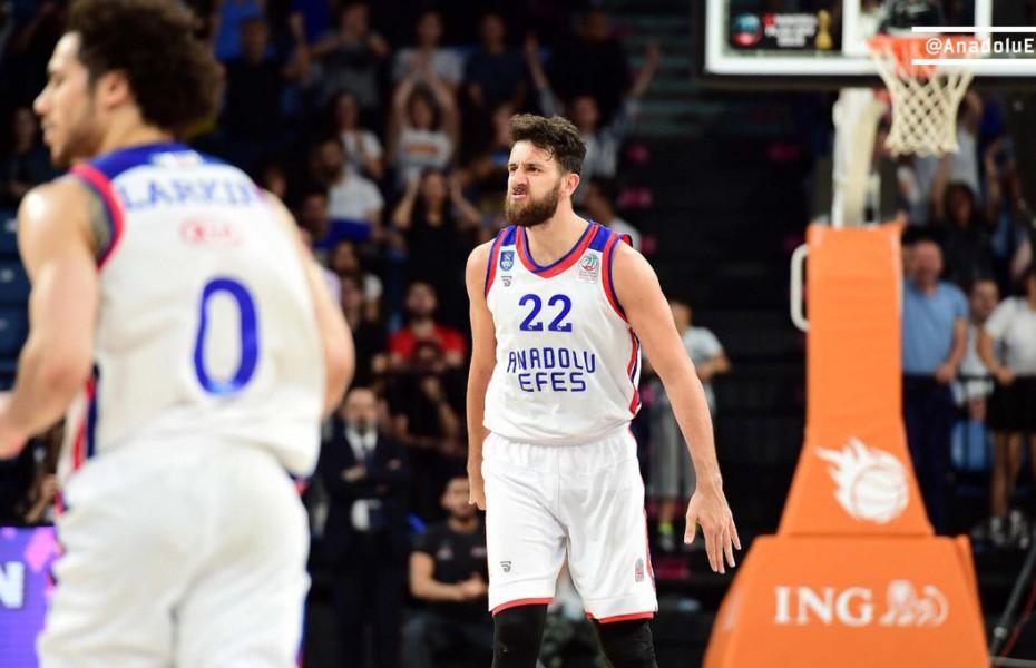 Anadolu Efes egalează situația în finala din Turcia
