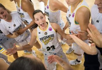 Angelika Slamova s-a transferat la Arka Gdynia
