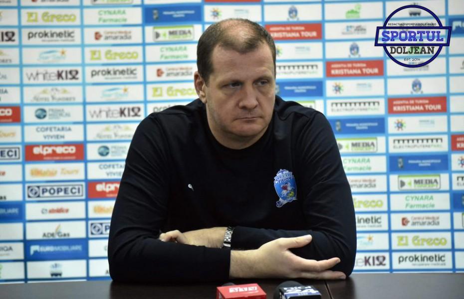 Conferință de presă haioasă a lui Aco Todorov, înainte de duelul 3 cu CSU Sibiu