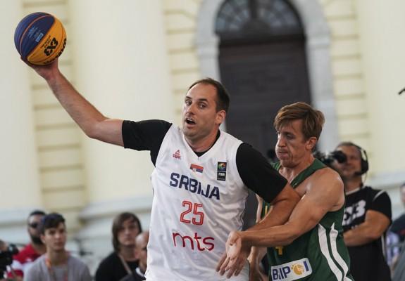 Fost jucător la Timba Timișoara, campion european la 3x3