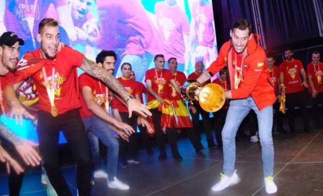 Naționala Spaniei, primire de gală în Madrid. Video