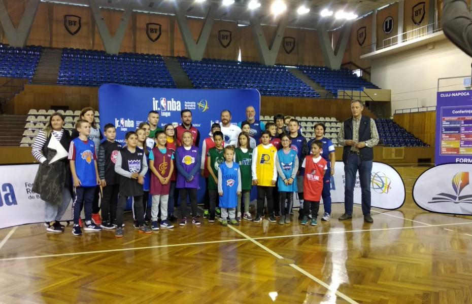 Luni (23.09), în Cluj-Napoca, a avut loc tragerea la sorți pentru Jr. NBA League