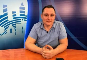 """Interviu Emil Kosztelnik: """"S-a creat o emulație foarte bună în jurul acestei echipe"""""""