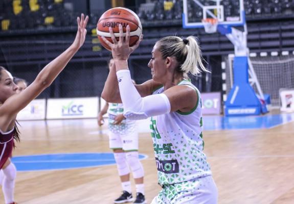 Andra Mandache a bifat primul double-double într-un joc oficial la ACS Sepsi SIC, contra Rapidului