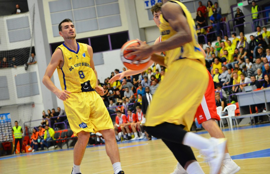 Liga 1 Masculin. Radu Paliciuc a debutat la CS Universitatea Cluj