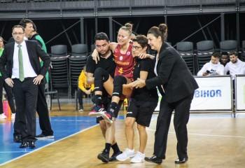 UPDATE. Claudia Cuic (Pop) a suferit o ruptură la ligamentul genunchiului stâng în partida cu Sepsi Sfântu Gheorghe