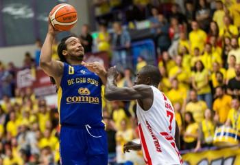 Randal Falker, cel mai bun jucător al Sibiului în victoria cu Dinamo