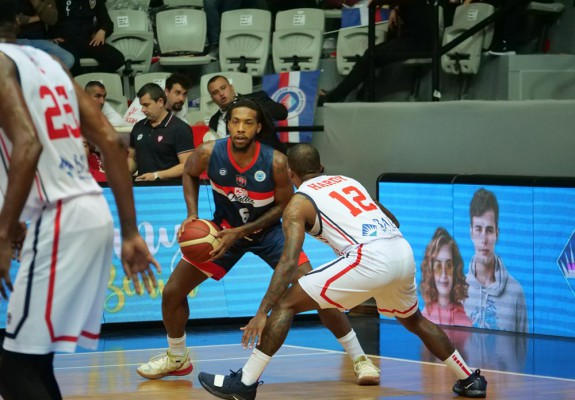 Sean Barnette și Dragan Zekovic cei mai eficienți jucători pentru CSM CSU Oradea