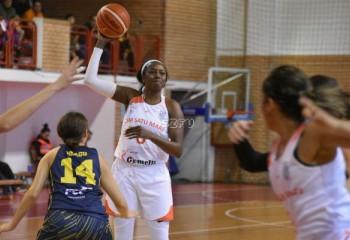 Bernice Mosby prima jucătoare de la CSM Satu Mare în double-double în acest campionat