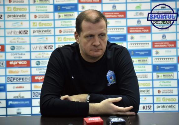 Aco Todorov a prezentat jurnaliștilor un material cu greșelile de arbitraj în favoarea lui Darko Planinic. Video