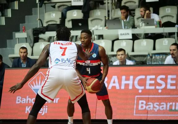 CSM CSU Oradea joacă cu Bahcesehir College pentru supremație în Grupa D din FIBA Europe Cup