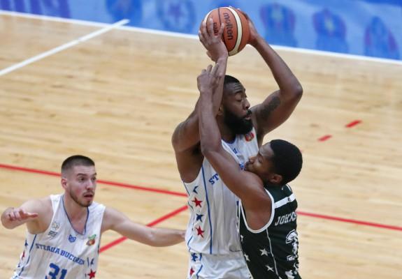 U-BT Cluj-Napoca i-a oprit seria de double-doubles lui Keith Clanton