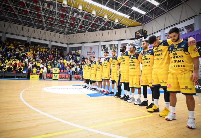 CSU Sibiu organizează o licitație caritabilă pentru tricourile cu care au evoluat în FIBA Europe Cup