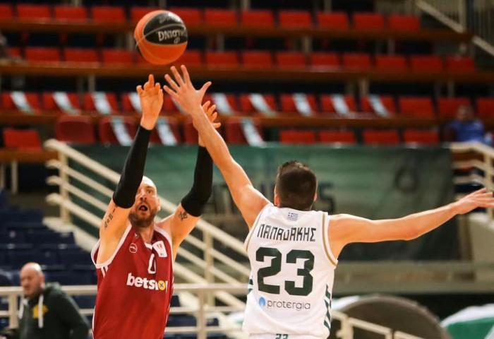 Vlad Moldoveanu a marcat 16 puncte în 16 minute contra lui Panathinaikos Atena!