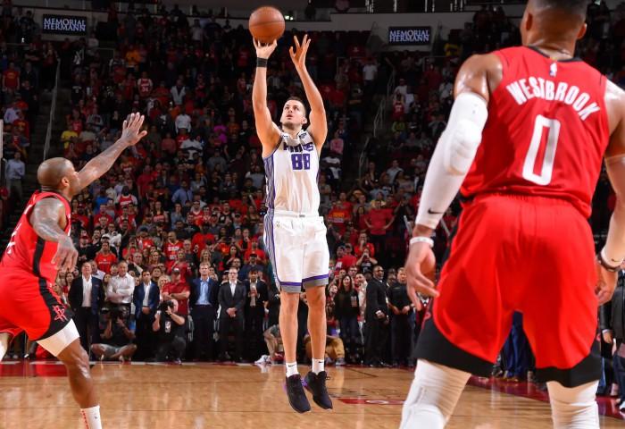 Nemanja Bjelica aduce victoria pentru Sacramento Kings. Video