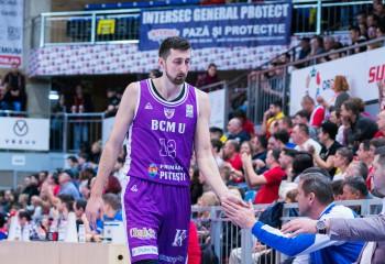 Danilo Tasic, gest de respect față de fanii argeșeni, înainte de plecarea de la BCM U Pitești