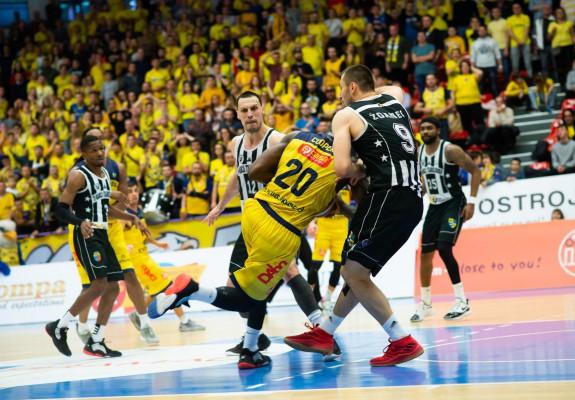 CSU Sibiu reușește un run de 16-0 în sub 3 minute de joc și învinge U-BT Cluj-Napoca