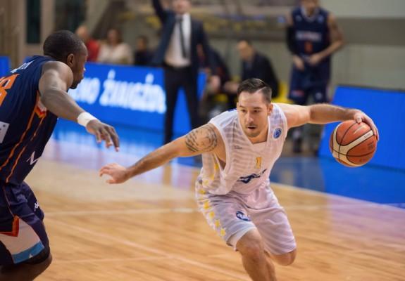 Derrick Low este noul jucător al lui SCM U Craiova