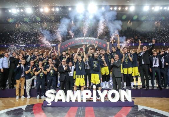 Fenerbahce a câștigat Cupa Turciei în urma unei finale disputate cu Darussafaka