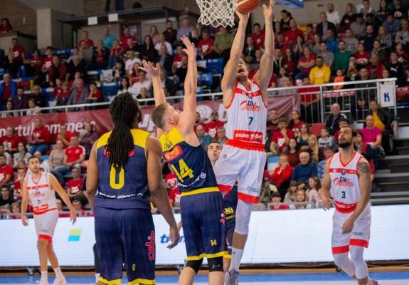 CSM CSU Oradea câștigă pentru a șasea oară în acest sezon în fața celor de la CSU Sibiu