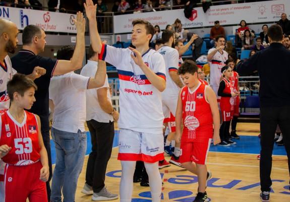 Juniorul Vlad Marinău a pus umărul la victoria lui CSM CSU Oradea în fața celor de la CSU Sibiu