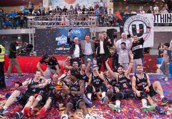 Pe 11 aprilie 2016, U BT Cluj-Napoca câștiga prima Cupă a României din seria de trei