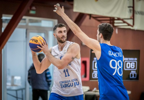 Alin Borșa și Andrei Gheorghe rămân la CSM Târgu Jiu