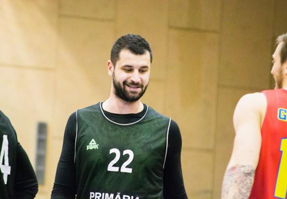 Lucian Chirof rămâne la BCM U FC Argeș Pitești