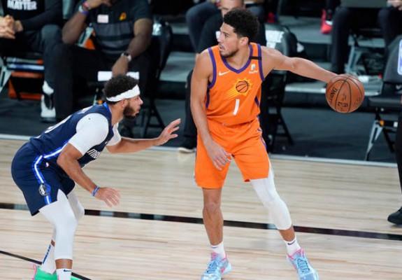 Phoenix Suns termină fără înfrângere în bula din Orlando