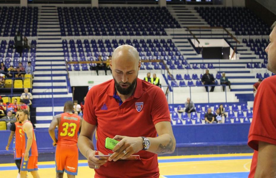 """Cătălin Burlacu: """"Pot să exprime un baschet modern, simplu și eficient"""""""