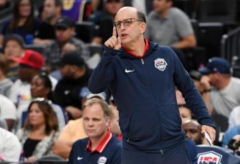 Trei antrenori au rămas în cursa pentru postul de antrenor principal la Houston Rockets