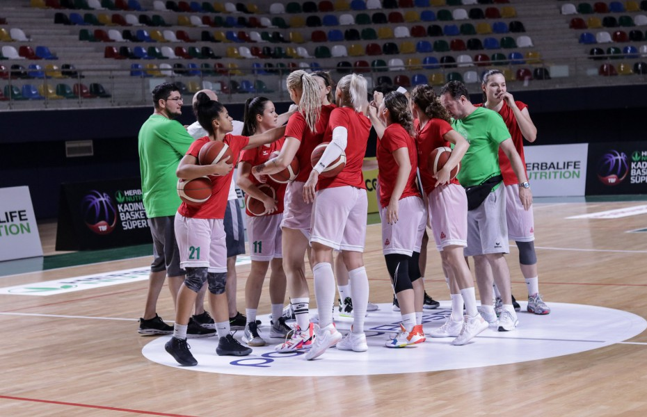 """Annemarie Godri-Părău: """"Jucăm cu o echipă foarte bună, care are jucătoare cu foarte mare experiență"""""""
