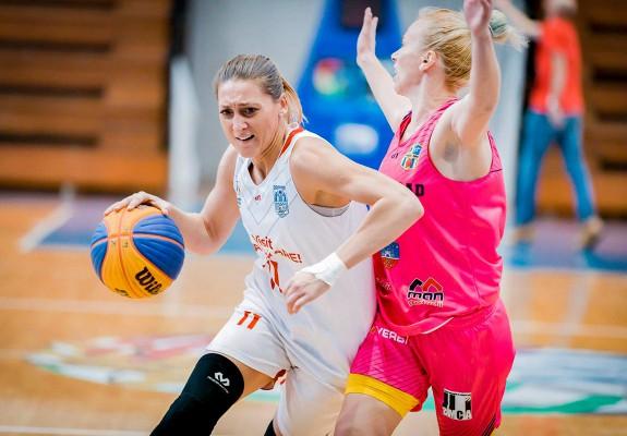 Adina Pop și Alina Podar, cele mai eficiente jucătoare autohtone în prima zi a CRBF