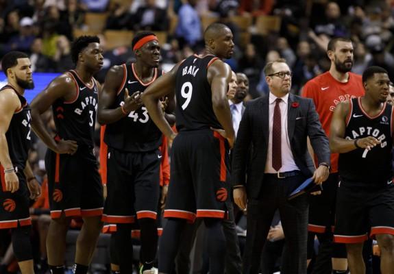 Toronto Raptors își mută casa în SUA pentru debutul sezonului din NBA