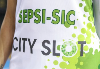 Sepsi-SIC și-a inscripționat titlurile câștigate pe noile echipamente. Foto