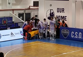 Lewis Stallworth, scos pe targă la meciul dintre Voluntari și Timișoara
