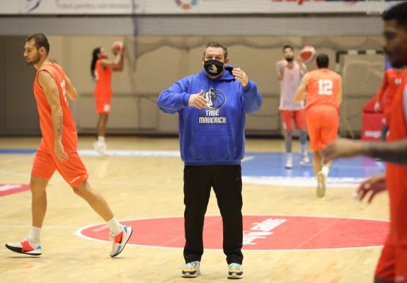 """Dragan Petricevic: """"Am controlat meciul și sunt mulțumit de această victorie pentru că am avut probleme"""""""