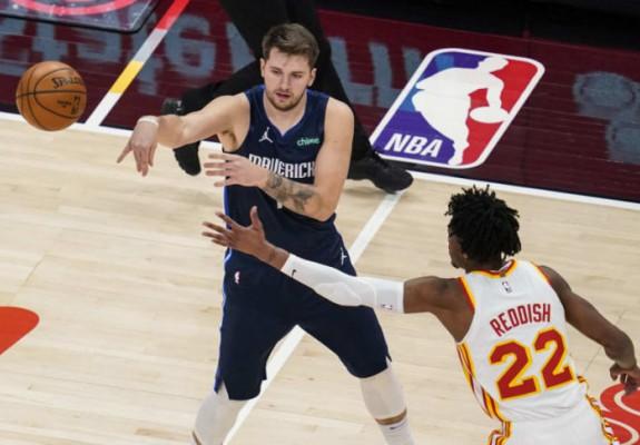 Dallas Mavericks a întrerupt o serie de șase înfrângeri. Video