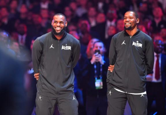 Kevin Durant și LeBron James conduc în voturile pentru All-Star Game