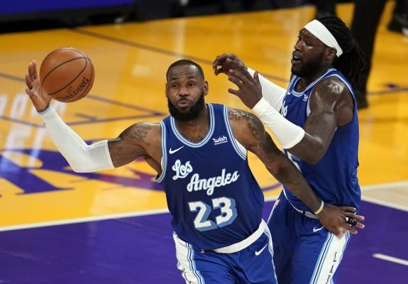 LeBron James, triple-double în partida cu Denver Nuggets. Video