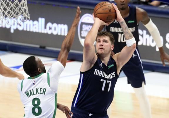 Luka Doncic aduce victoria lui Mavericks în partida cu Celtics